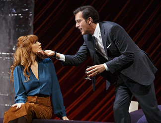 Kelly Reilly as Kate, Clive Owen as Deeley, photo Joan Marcus.