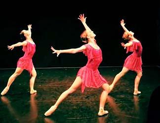 Lauren Speirs Dancers, photo Anne Marie Solan.